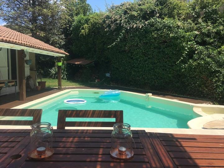 Charmante villa avec piscine entre Aix et Lubéron