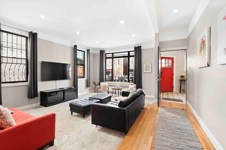 ❤️ Spread love it's the Brooklyn way, modern suite
