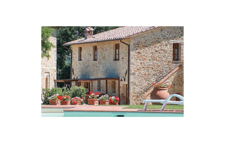 Holiday apartment with 1 bedroom on 38m² in Casole d'Elsa SI