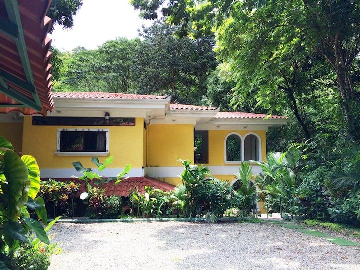 Casa Floratica | In the Jungle of Manuel Antonio