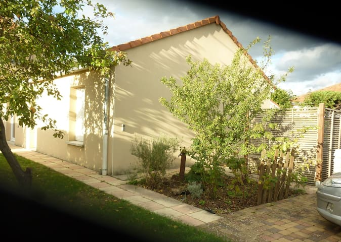 Jolie maison moderne et spacieuse proche de Metz