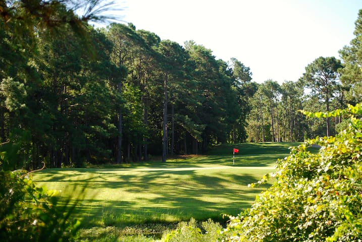 Vacation near the Ocean and Enjoy FREE Golf!!! - Shallotte - Hus