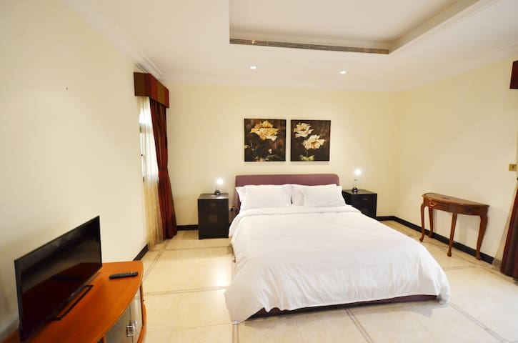 Palm Jumeriah Canal villa (PHONE NUMBER HIDDEN) - Dubaj - Dom