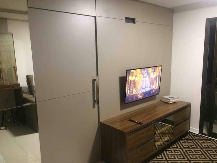 Apartamento inteiro a 30 metros da Unisul !!