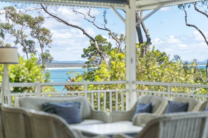 Iconic Noosa Heads Beach house in Little Cove