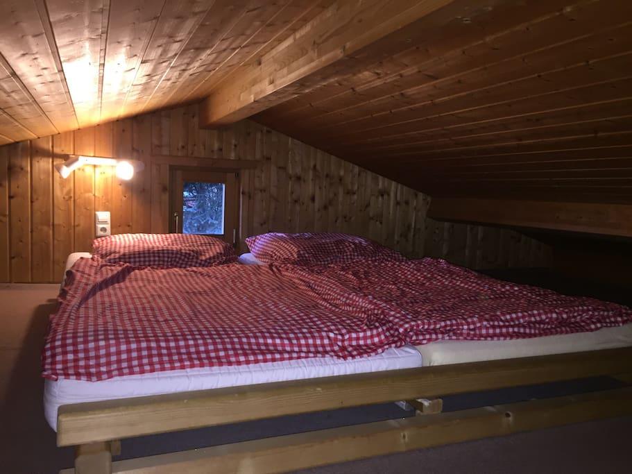 Das Schlafzimmer auf dem Schlafboden