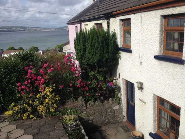 Mumbles Traditional Fisherman's Cottage