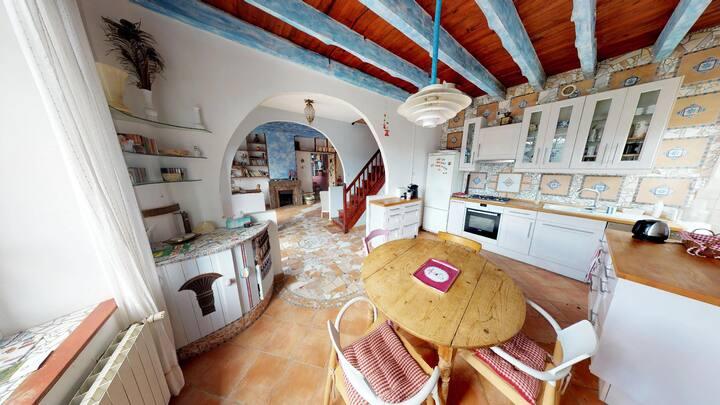 Maison de Charme au Pays Cathare, jardin et vue