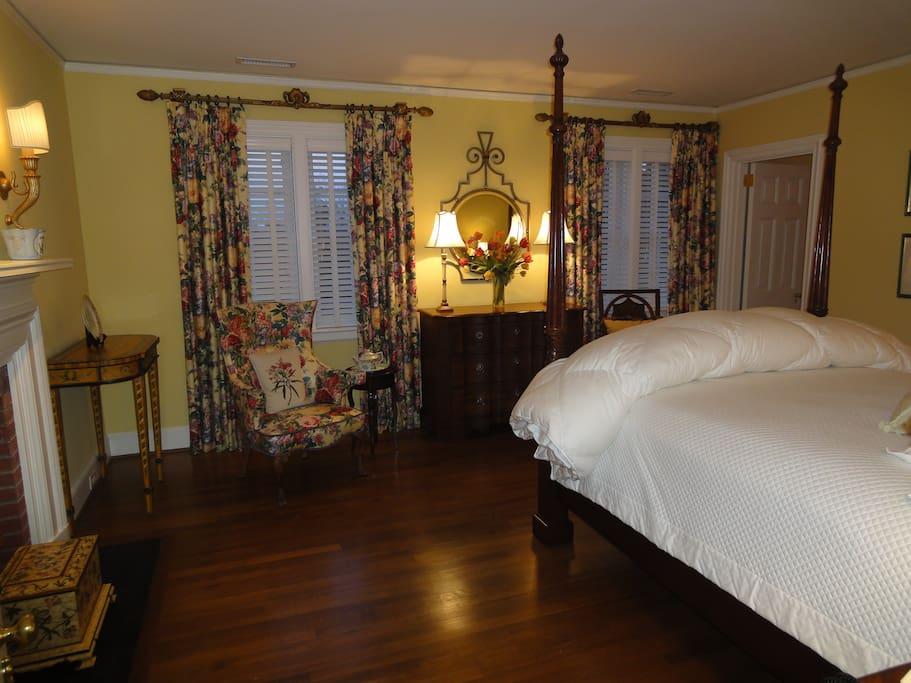 Delano Guest Room
