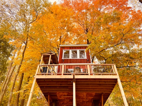 Magical Treehouse: Secluded—Mountain View—Off-Grid