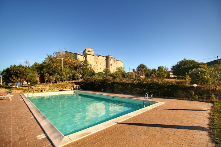 Stunning Castle in Gualdo Cattaneo with Shared Swimming Pool