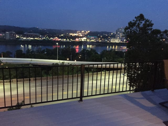 Amazing River View in Mt. Adams - Cincinnati - Huis