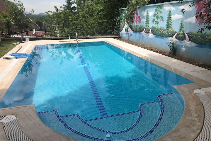 Private Villa with Pool Large Garden in Bursa