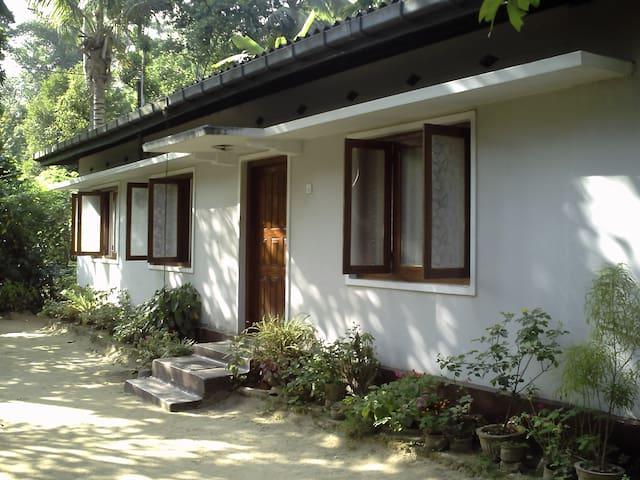 Serene place off Kandy - Hedeniya - Talo