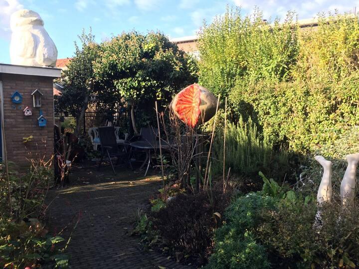 Warm en gezellig familiehuis met een zonnige tuin