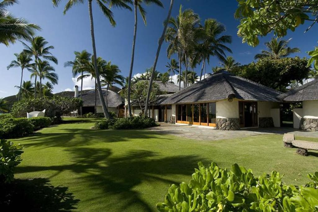 The paul mitchell estate houses for rent in kailua for Hawaii home builders