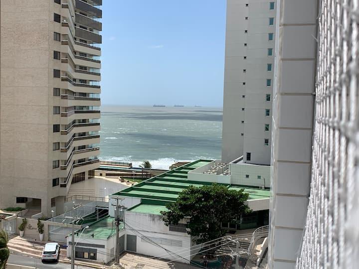 Apart moderno vista mar  na melhor localização.