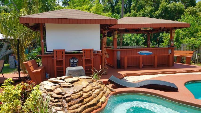 Relax poolside in paradise ! - Merritt Island