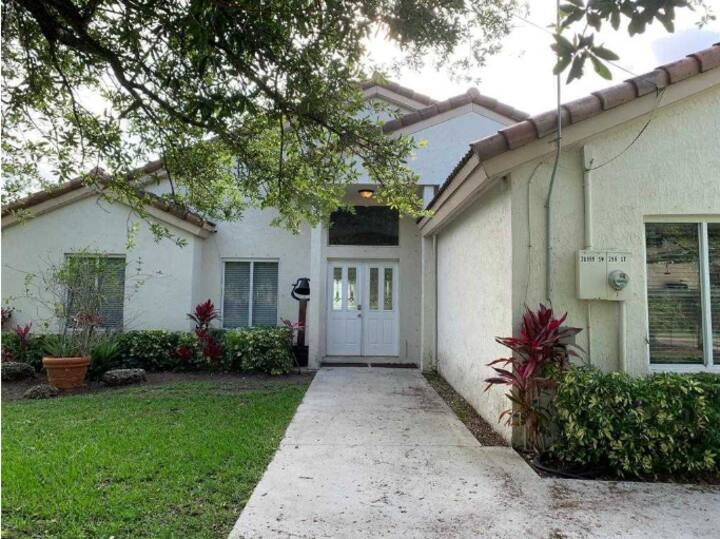SPACIOUS  HOMESTEAD HOUSE, CLOSE TO KEY LARGO