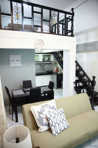 Myspace- E Loft,Makati,25mbps wifi,good for 4 pax