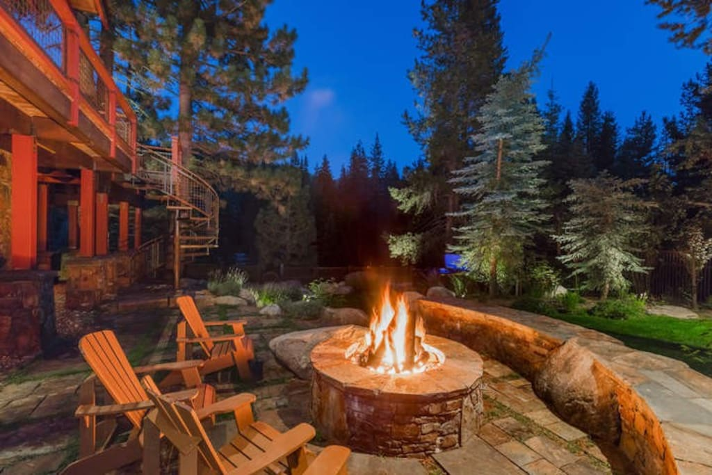 Enjoy the fire pit or your private hot tub on the back patio after a day of skiing.