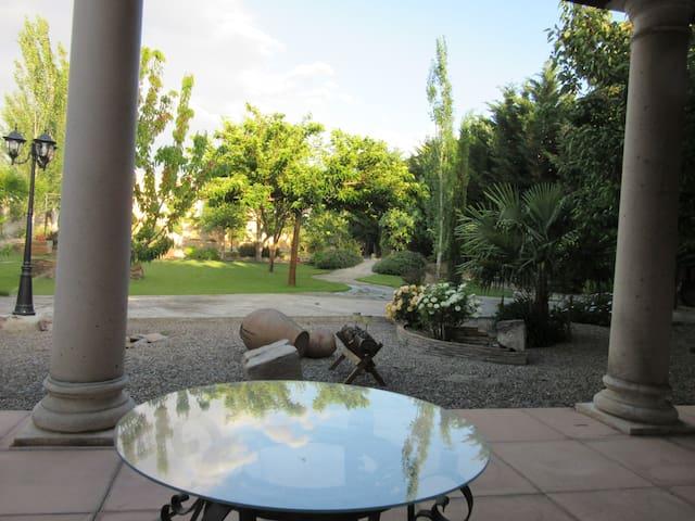 Alegre villa en la Ribera