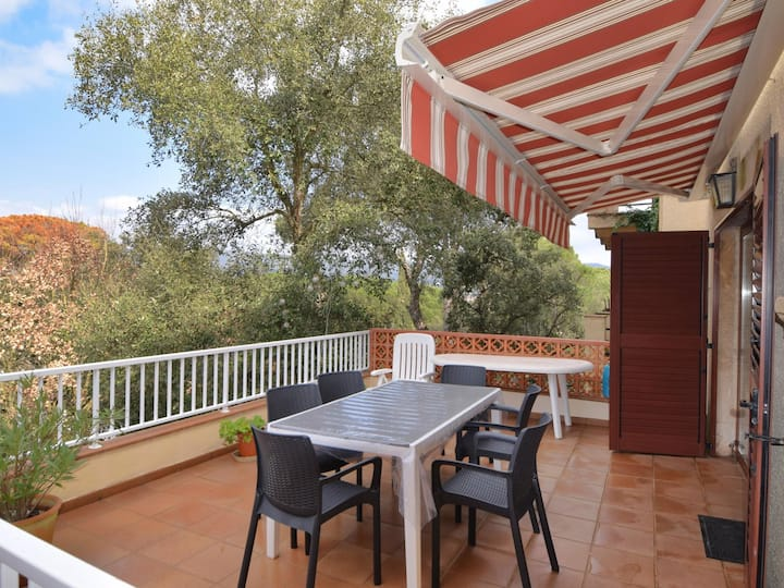 VILLA VALL ATACHED HOUSE WITH AIR CONDITIONING AND TERRACE