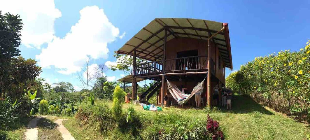 Natural cabin, 33 min from the Envision Festival