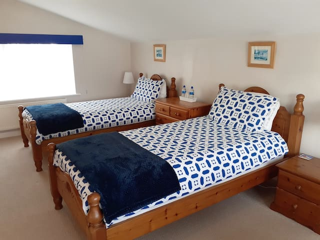 Spacious Annexe, a short walk from Sidmouth Town..