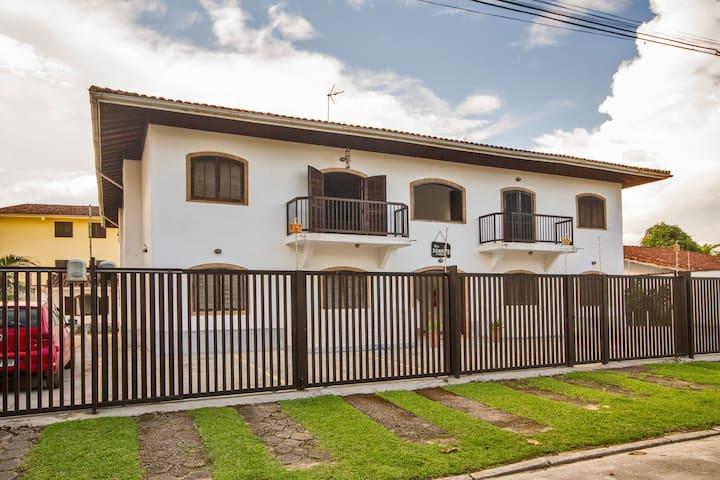 Great Unit 100m² on Itaguá Mall Street