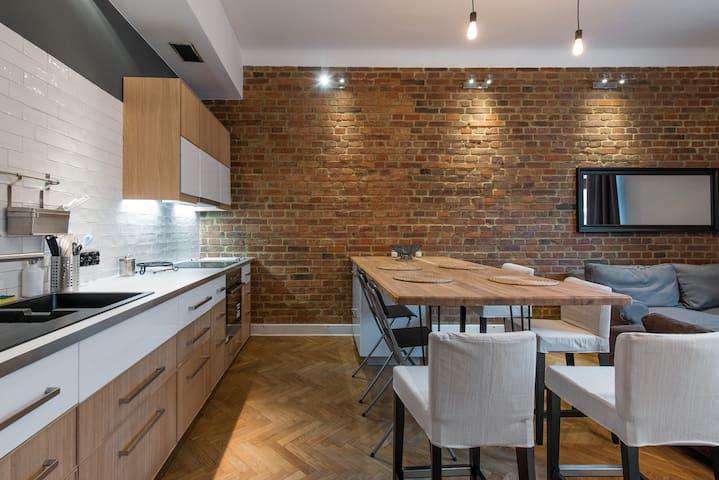 Designer flat 3 mins to Castle, Kazimierz & River - Cracovie - Appartement