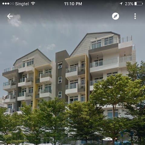 1/2Suite@payalebar/aircon/near Serangoon MRT/cheap
