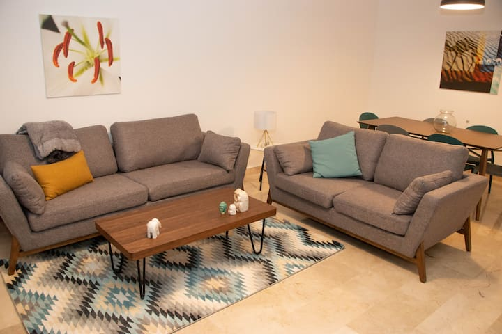 Comfy | New | 3 Bedrooms | OpenCity View |Jeitaoui