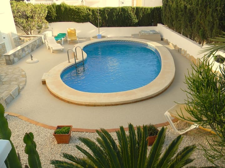 2 Bed Villa with Private pool and WiFi