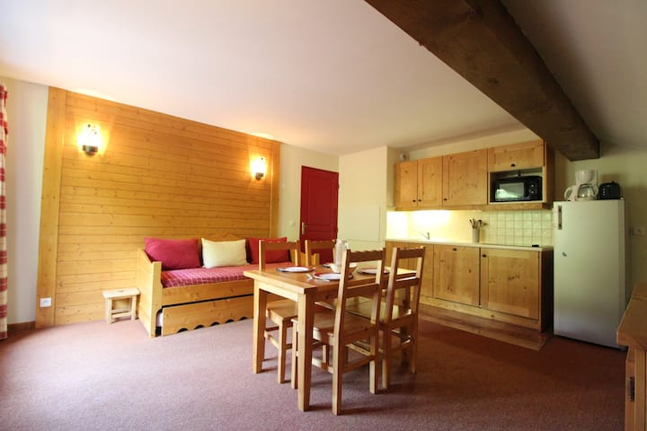 ALE316 : Apartment 4  persons on slopes with swimming pool
