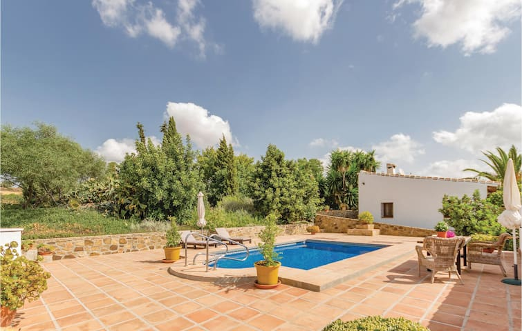 Holiday cottage with 1 bedroom on 60m² in Pizarra