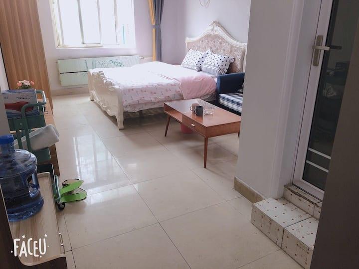 丁香公寓313:火车站、万象汇、美食街中间,宜家家具,乳胶乳胶弹簧大床房整租