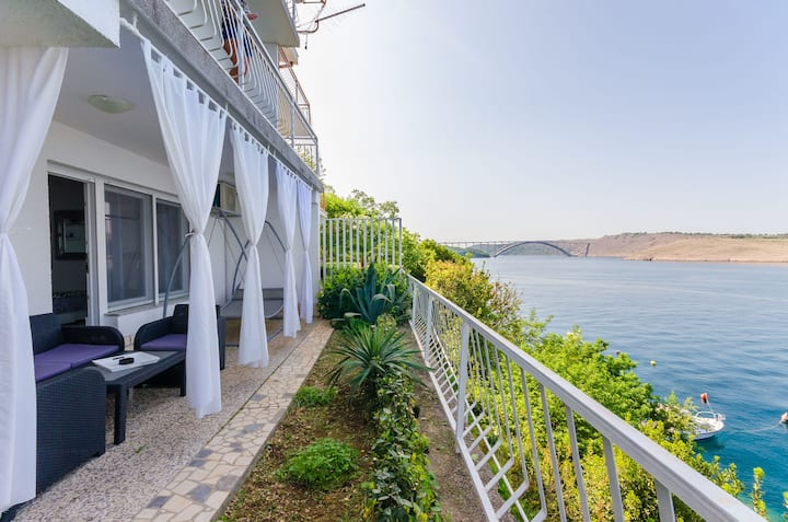 Studio Apartment, beachfront in Kraljevica, Balcony, Terrace