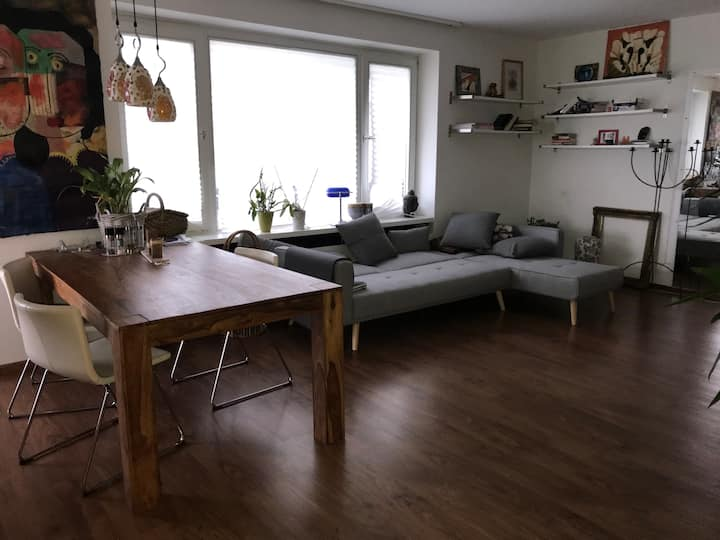 Cozy Guest room, Cologne south-10mins to center