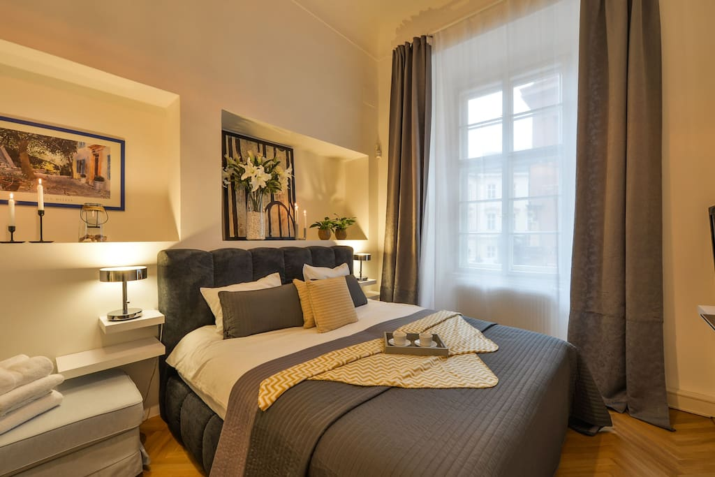 newly refurbished and fully equipped apartment in the heart of the Old Town - just 2 minutes to the famous Old Town square