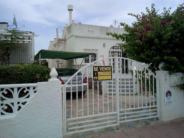 Chalet en San Luis, Torrevieja