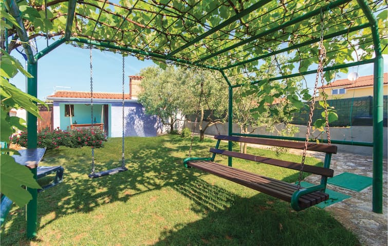 Holiday apartment with 1 bedroom on 32m² in Liznjan