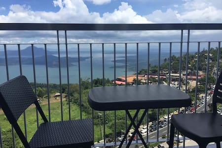 Balcony,Taal view, NETFLIX, Wi-fi, 4Beds