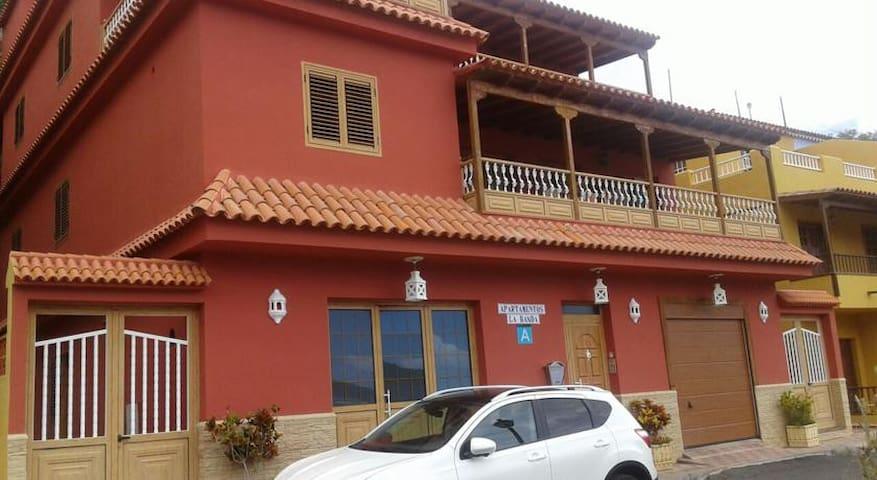 """Relax y playa - Apto. """"A"""" - Playa de Santiago - Apartment"""