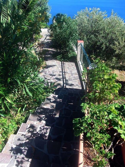 Treppenaufgang zum Parkplatz