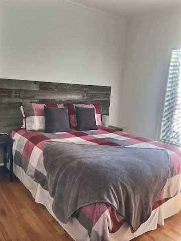 Chambre 2 avec lit queen