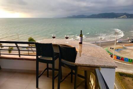 OCEAN FRONT - Bahia de Caraquez apartment