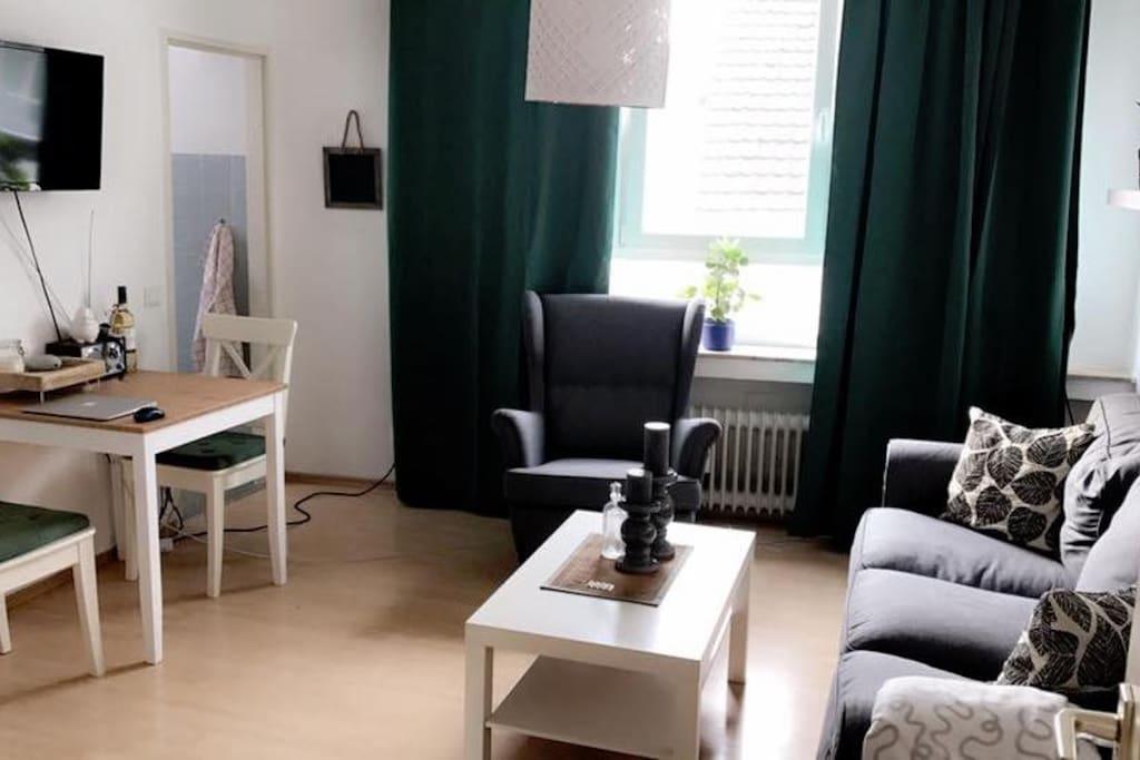 zentrale 2 zi wohnung am hansaring f r 3 wo frei wohnungen zur miete in k ln nordrhein. Black Bedroom Furniture Sets. Home Design Ideas