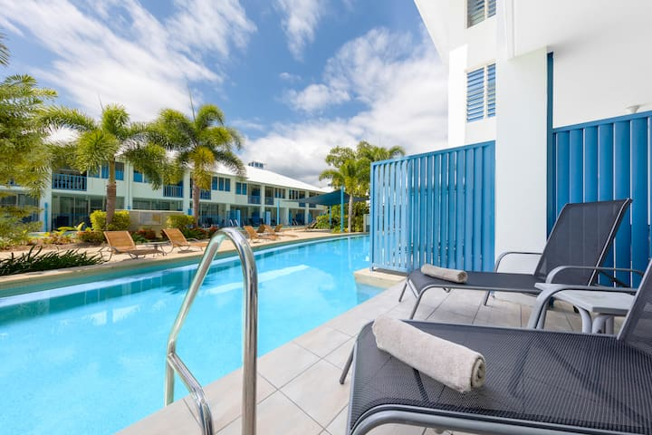 Resort-style Studio with Direct Pool Access