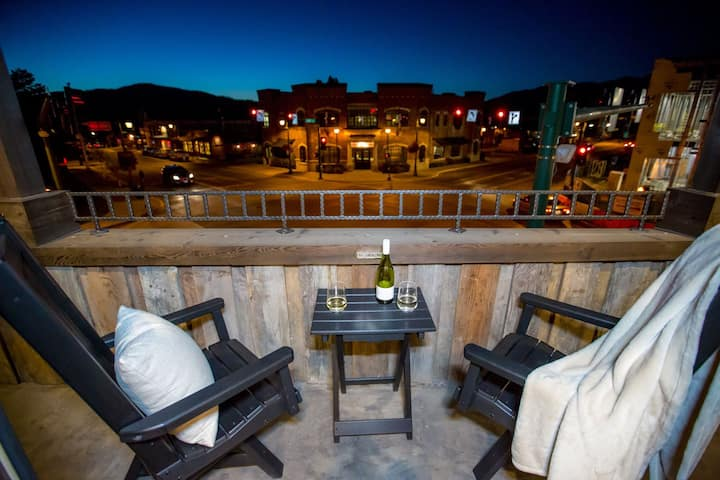 Luxury Suite 202 at The Galleries of Whitefish, in the HEART of downtown!